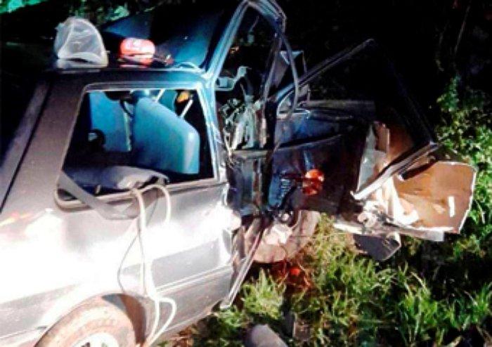 Homem morre após carro capotar na RJ-116, em Cachoeiras de Macacu