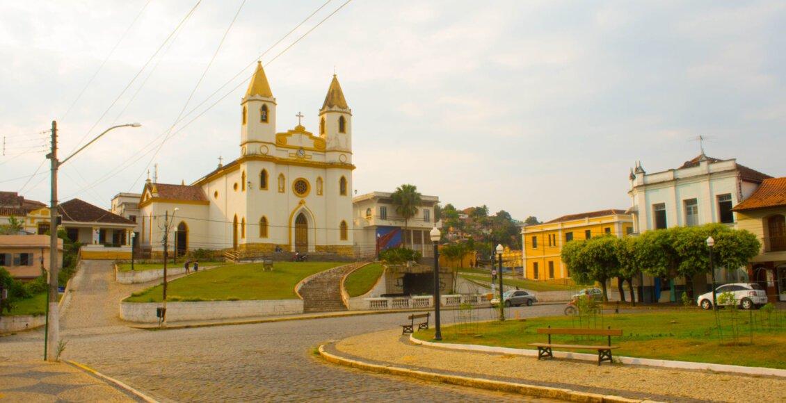 Centro e Igreja de Miracema