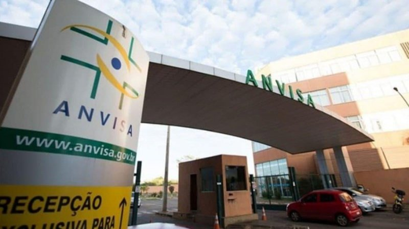 Anvisa autoriza uso emergencial de coquetel contra o coronavírus