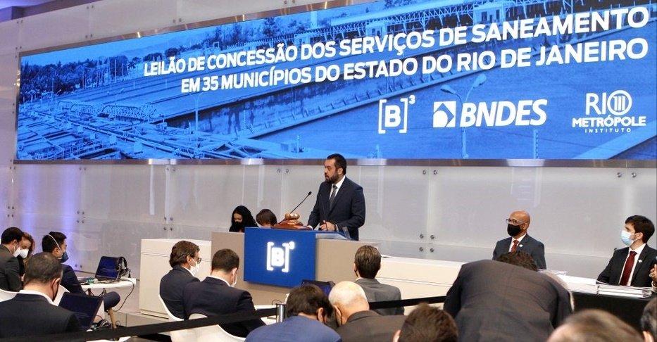 Empresas pagam R$ 22,6 bilhões pela Cedae