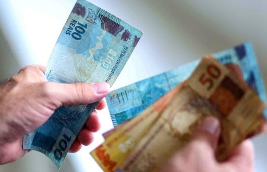 Salário mínimo deve subir para R$ 1.155 em 2022