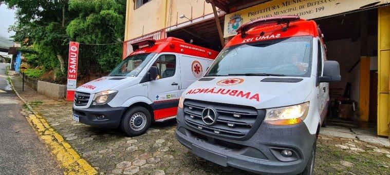 Ambulâncias da equipe do SAMU de Cantagalo RJ