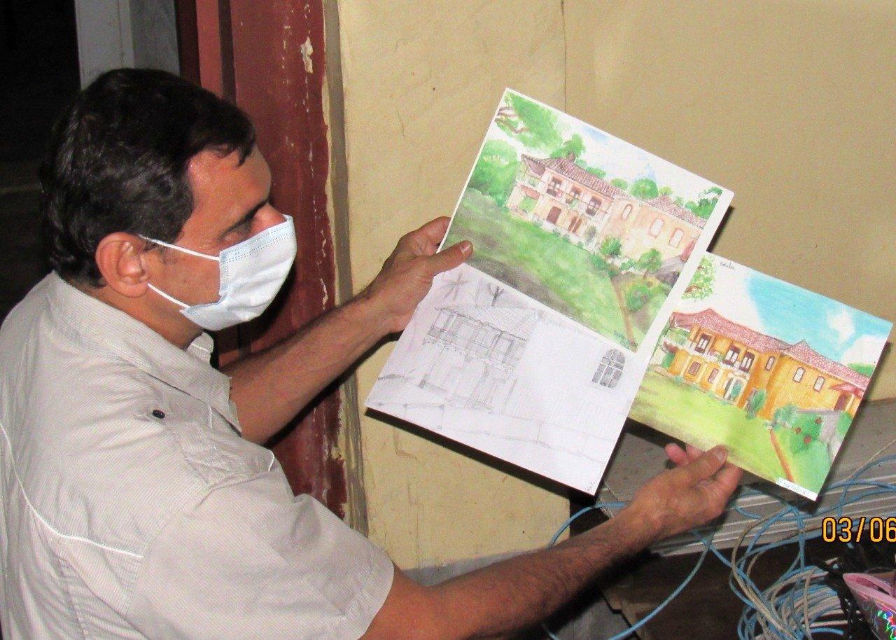 Dono da Fazenda Santa'Ana adora desenhos dos alunos de Cantagalo