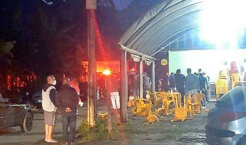 Friburgo: veículo perde o controle e atropela clientes em bar no distrito de Lumiar