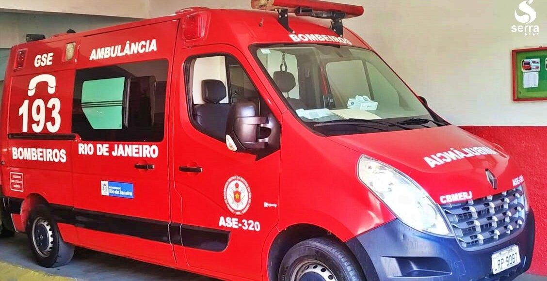 Corpo de Bombeiros de Itaocara recebe ambulância para resgates
