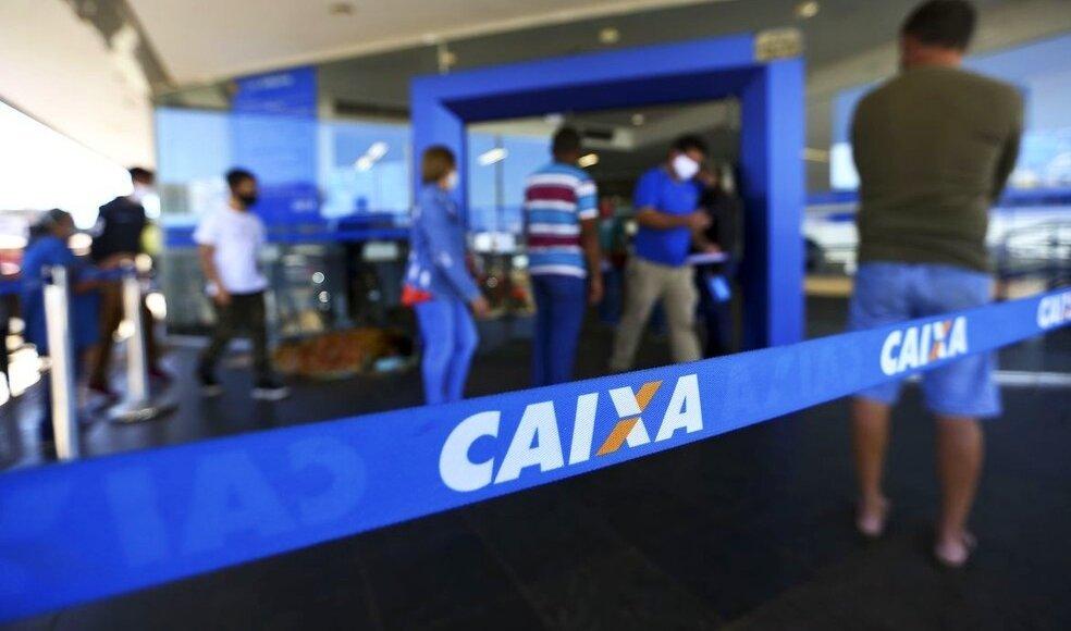 Caixa Econômica anuncia concurso público com 10 mil vagas