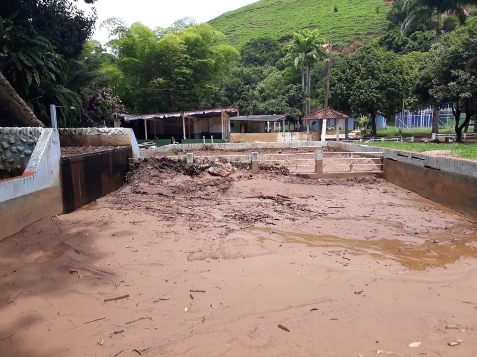 Parque Aquático de Cambuci com sinais de abandono
