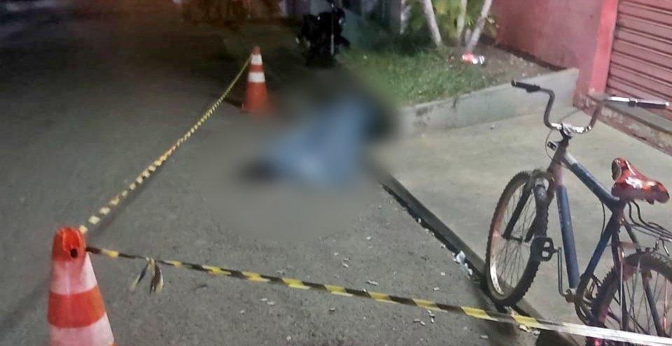 Homem com problemas mentais é morto a facadas em Itaperuna
