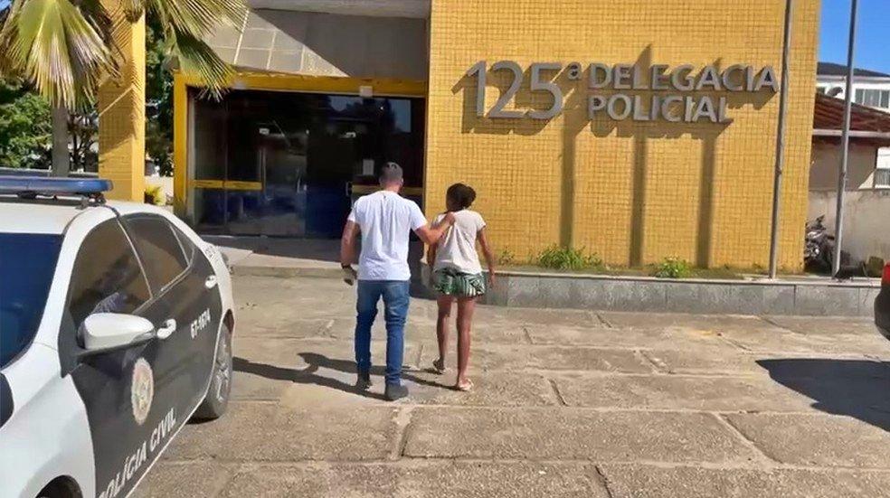 Mãe é presa por vender filha por R$ 200 para comprar drogas na Região dos Lagos