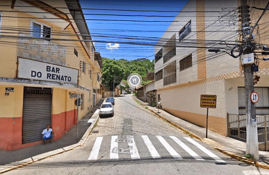 Rua Maria José Moraes Guimarães (por trás do Campo do Cordeiro) em mão única