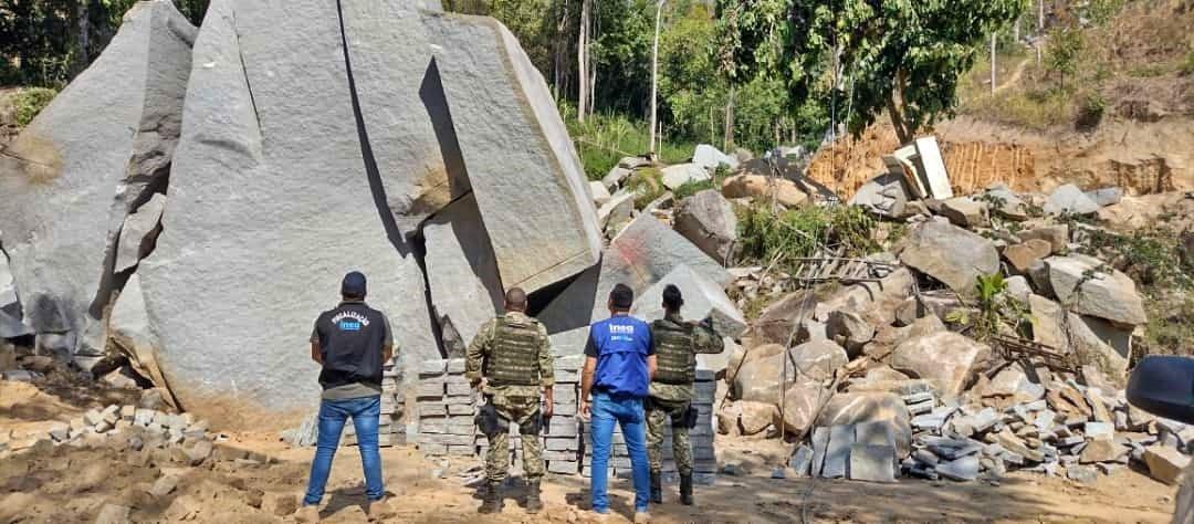 Inea e Polícia Ambiental combatem extração ilegal de pedra em Nova Friburgo