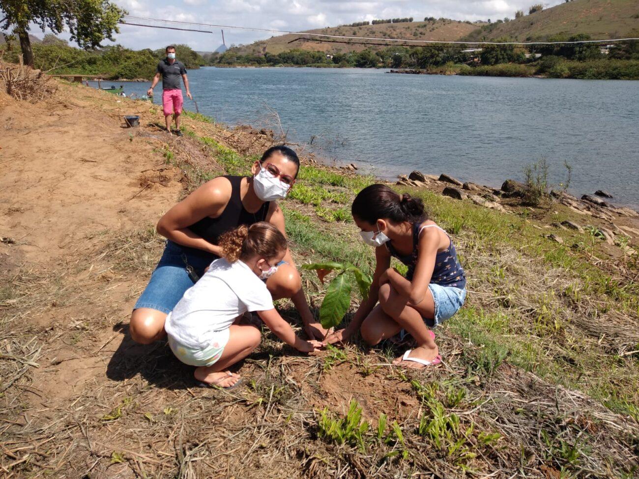 Projeto Itaocara + Verde recria mata ciliar em Portela próximo ao Rio Paraíba do Sul