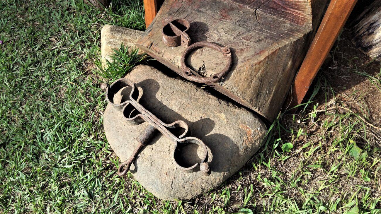 Instrumentos de castigo da freguesia do Paquequer. Acervo pessoal