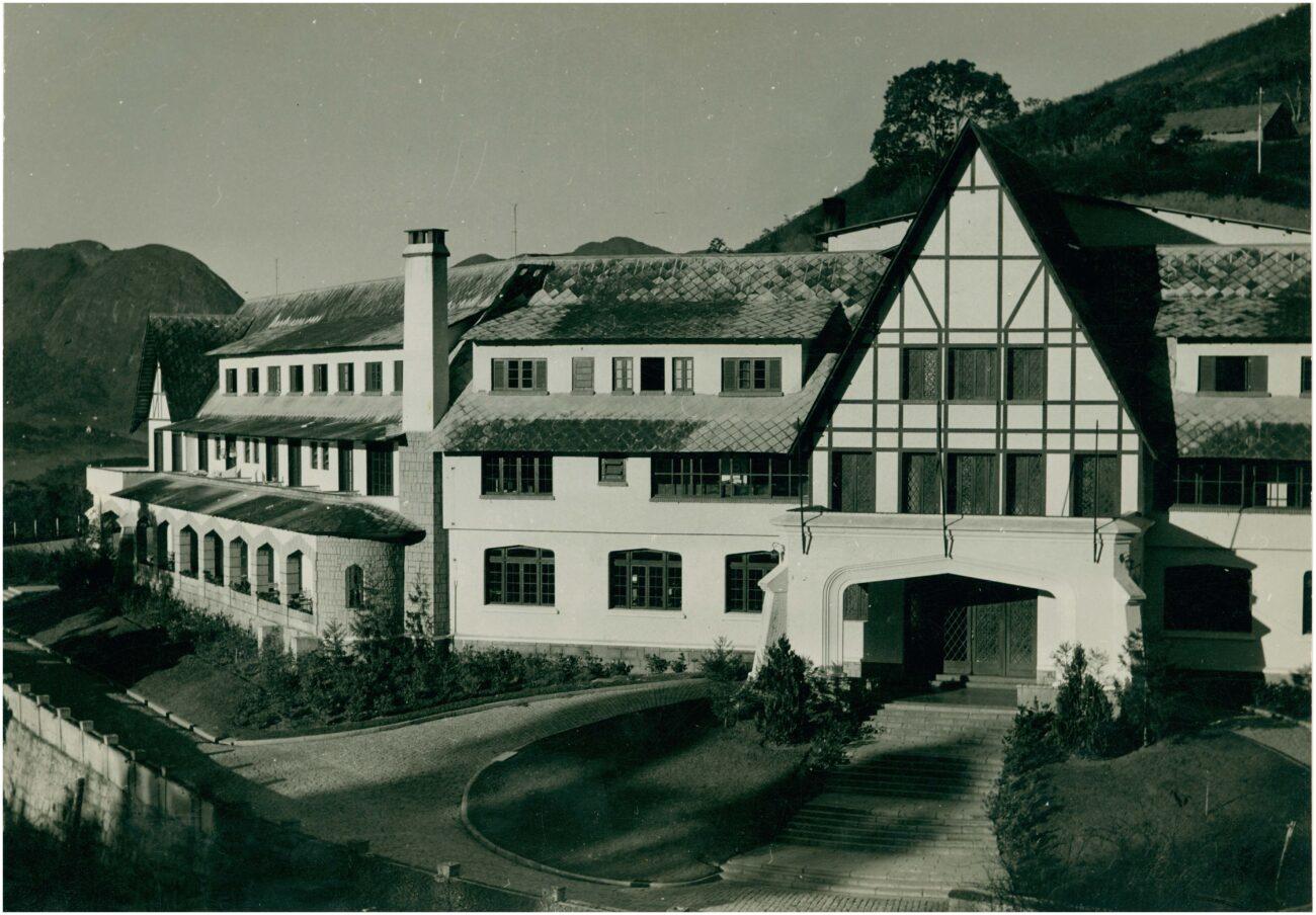 O Cassino Cascata quase virou um hospital de tuberculoses. Acervo IBGE.
