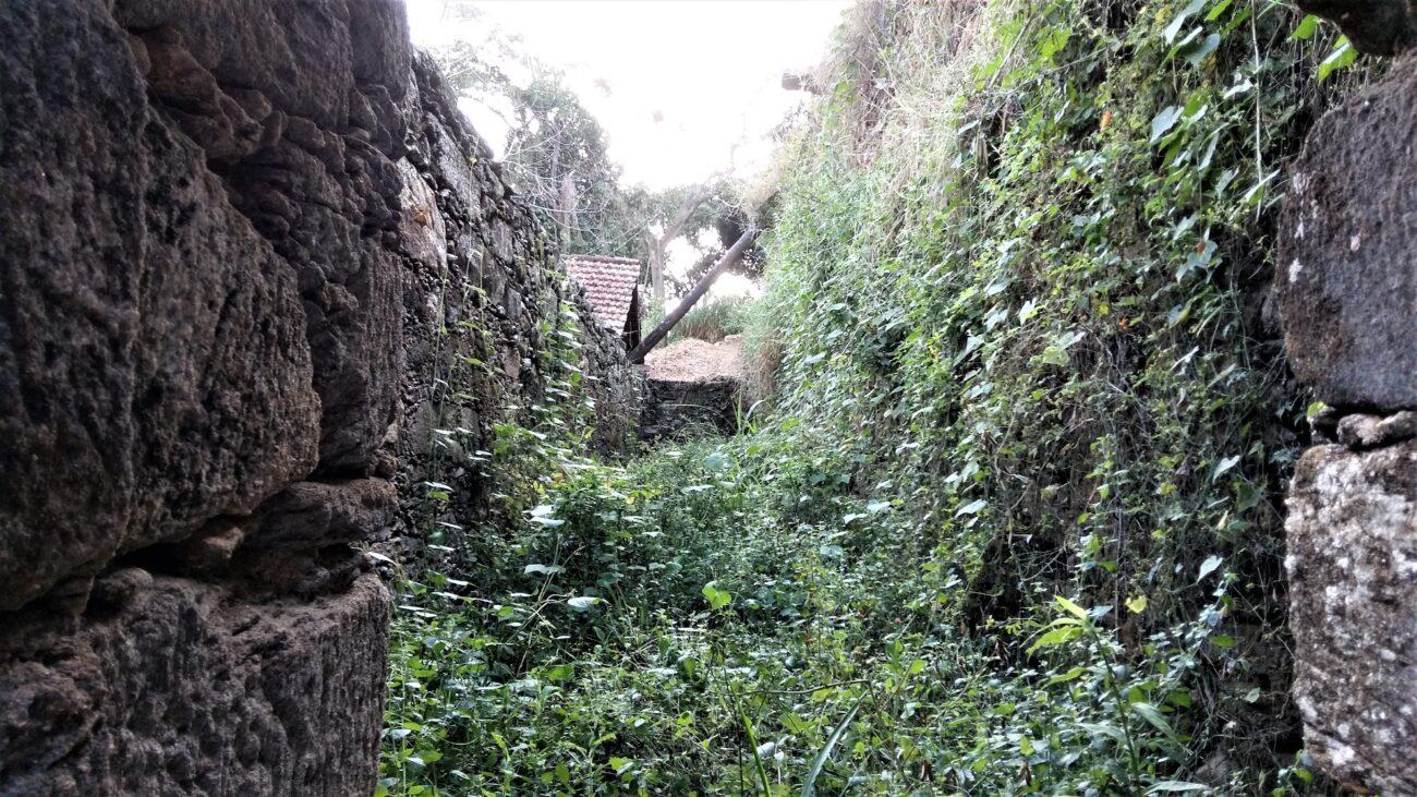 Prisão de escravizados no interior da senzala no Paquequer. Acervo pessoal