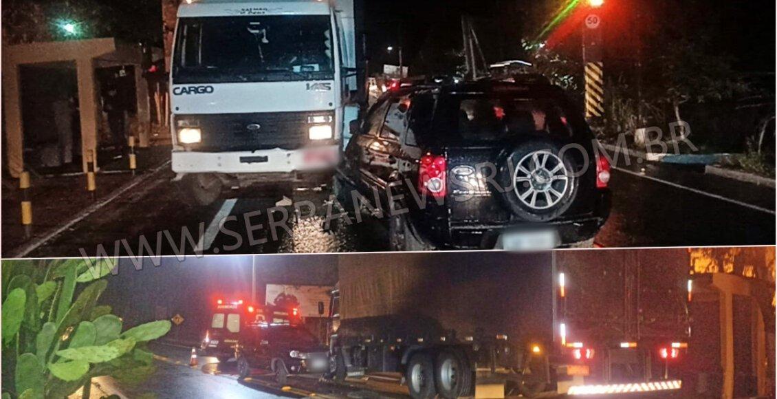 Carro colide com caminhão na RJ-116, em Aperibé