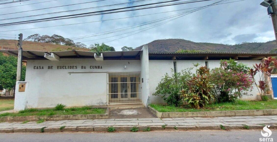 Estado abandona Casa de Euclides da Cunha há 10 anos em Cantagalo