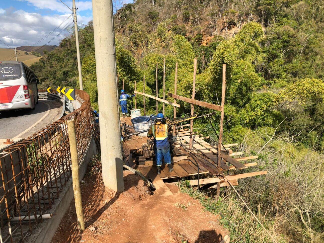 RJ-116: Concessionária realiza obras na Curva do Perigo, em Macuco