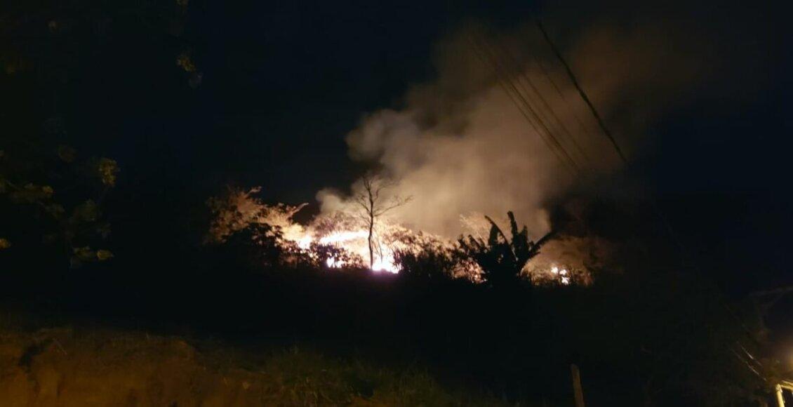 Incêndio criminoso consome grande área de pastoreio em Cantagalo