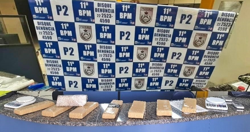 Friburgo: PM efetua prisões e apreende quase 7 kg de maconha em Olaria