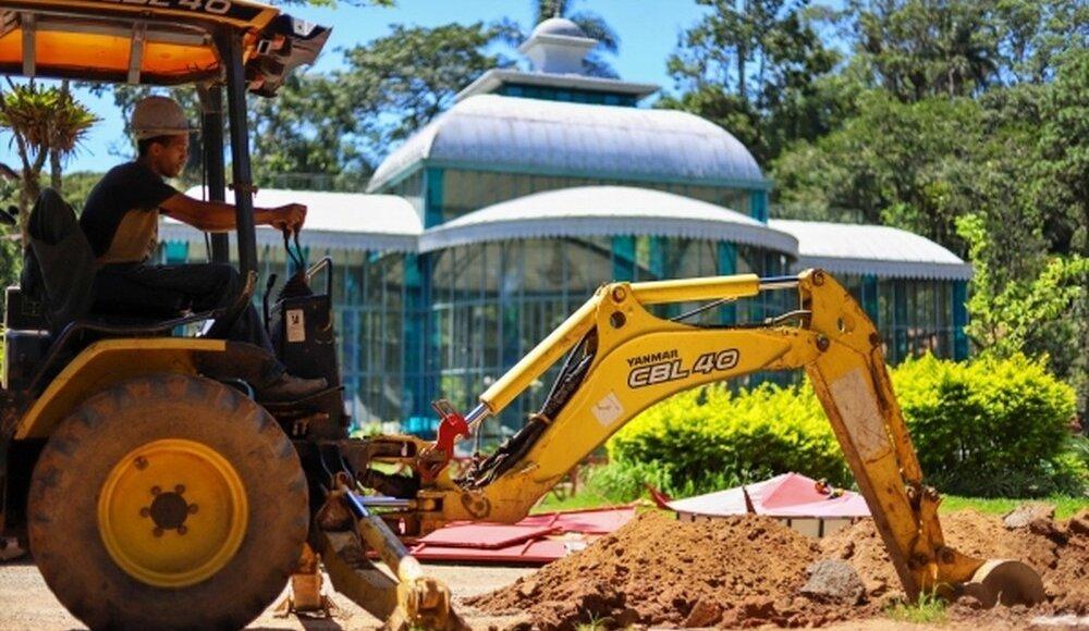 Trabalho arqueológico no Palácio de Cristal encontra mais de 2 mil peças históricas
