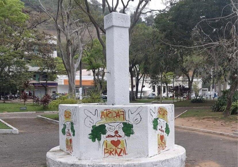 Monumento de 1887 é alvo de vândalos em Conceição de Macabu