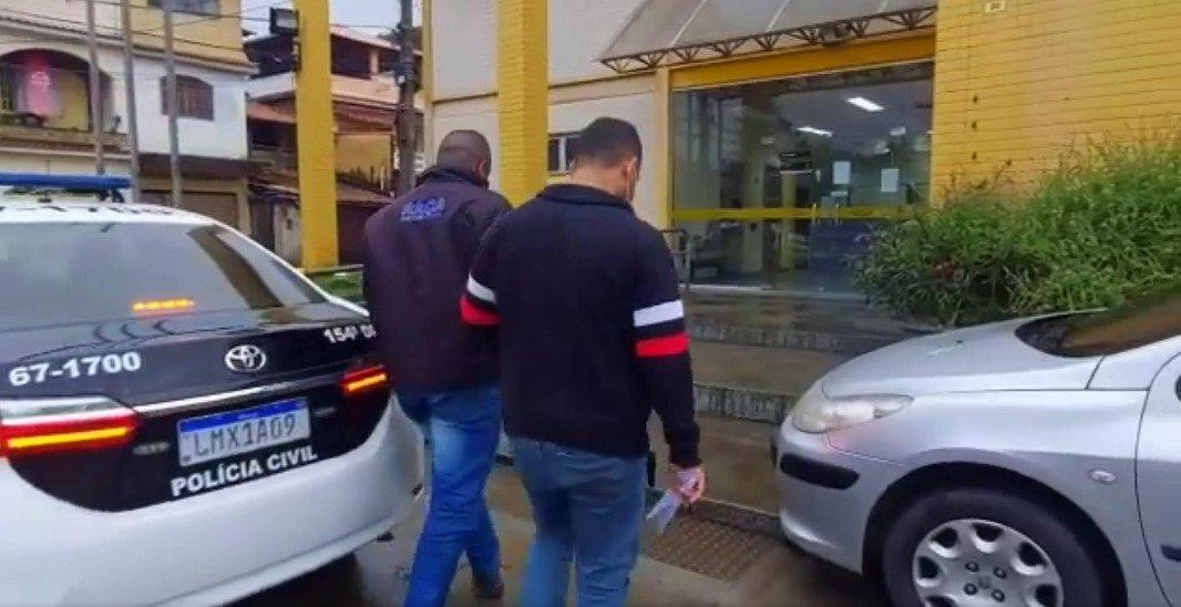 Policiais de Cordeiro cumprem mandado de prisão em Cantagalo